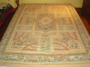 "Aubusson kilim ""flat weave"" (8'9 x 12'3  Estate $795) Rug pad included"