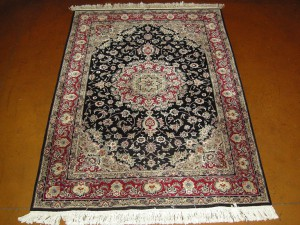 "China ""Persian design"" Fine wool w/ silk (4'6 x 6'6 Estate $1,995)"